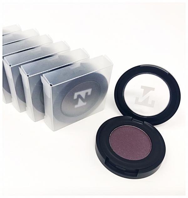 plum eyeshadow